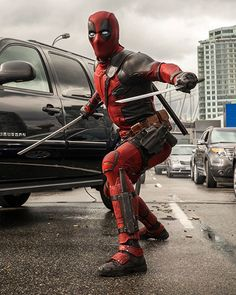 Deadpool movie coming up fast Marvel Dc, Marvel Comic Universe, Comics Universe, Marvel Cinematic Universe, Deadpool Film, Deadpool Und Spiderman, Deadpool Photos, Deadpool Art, Marvel Characters