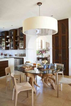 Amazing Inspirations From London Top Designers Carden Cunietti design Top Interior Designers, Interior Design Services, Top Designers, Urban Electric, Dining Table, Dining Rooms, Best Interior, Elle Decor, Service Design