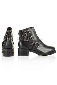 Another pair of plane black leather boots. Topshop Boots, Biker Boots, Black Leather Boots, Walking, Pairs, Plane, Shoes, Style, Fashion