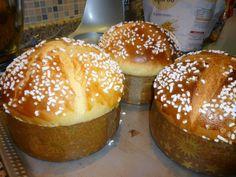 La ricetta per la focaccia di Pasqua, ecco come le faccio:   primo impasto:   600 gr manitoba   180 gr lievito naturale   270 gr uova inte...