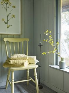 Yellow house on the beach: Cottage atmosphere Yellow Houses, Scandinavian Home, Modern Kitchen Design, Old Houses, Room Decor, Furniture, Lady, Beautiful Pictures, Vintage