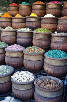 Bulk Marketing in Spicy Colors  door Tony Kadysewski  market-colors-in-bulk-main.jpg (440×666)