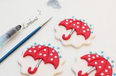 Umbrella cupcakes - goodtoknow cupcake topper tutorial