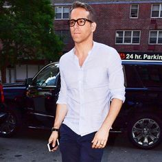 Ryan Reynolds' 5-Piece Outfit is Worth Copying All Summer Long | GQ