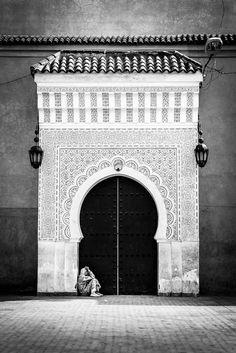 """lensblr-network: """"Waiting"""" - Medina Marrakech, Morocco, Africa, 2012 By Mario Grudnick Medina Marrakech, Marrakesh, Attraction World, Ibiza, Moroccan Doors, Motif Oriental, Portal, When One Door Closes, Visit Morocco"""