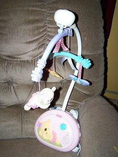 Sweet Fisher Price Pink Little Buttons Sleepytime Girl Rocking Crib Mobile Euc