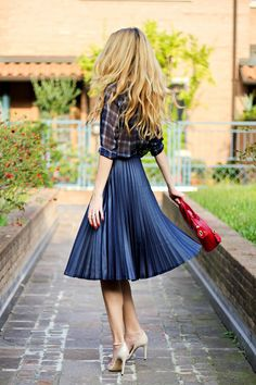 back pleated skirt saia midi preta plissada