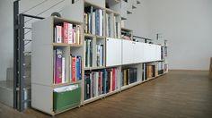 Sideboard in Weiß im Arbeitszimmer #bücherregal #stocubo