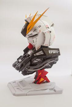1/35 Nu Gundam - Painted Build w/ LED Modeled by skylinelinday