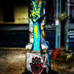 New Orleans. #nola #vacation #louisiana #louisianalife #neworleans #frenchquarter #streetart #graffiti #peace #hamsta by dabrielle