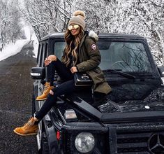 #fashionlovers #outfitoftheday #fashionweek #fashionaddict #fashionistas #fashionstyle #fashionable #fashionista #style #laurella #fashion #hair #ootd #polishgirl #tiedye #stellamccartney #tshirt #makeup #nails Winter Outfits For Teen Girls, Winter Mode Outfits, Winter Fashion Outfits, Autumn Winter Fashion, Fall Outfits, Cute Outfits, Winter Snow Outfits, Snow Outfits For Women, Ootd Winter