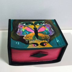 Fully painted wooden box and lacquered for protection. Personal concept, original model. 18x13x8.5cm