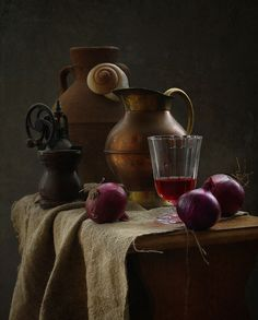 photo: натюрморт с красным луком | photographer: inna korobova | WWW.PHOTODOM.COM