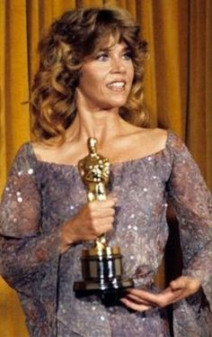 "1978 JANE FONDA winning an Oscar for best actress in a leading role for her performance in the film "" Coming Home"". This would be Ms Fonda's second Oscar. She won in the same category in 1971 Academy Award Winners, Oscar Winners, Academy Awards, Jane Fonda, Johnny Carson, Oscars, Best Actress Oscar, Jeanne Crain, Oscar Dresses"