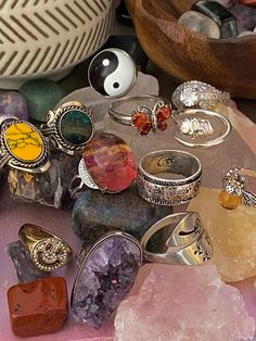Hippie Jewelry, Cute Jewelry, Jewelry Rings, Jewelry Accessories, Jewlery, Hippie Rings, Funky Jewelry, Mode Hippie, Crystal Aesthetic