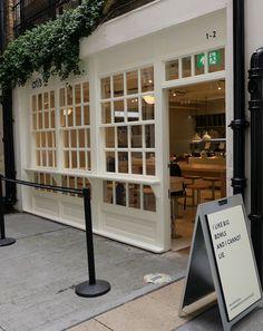 eccleston yards atis Fuel Bar, Restorative Yoga Poses, London Lifestyle, Elizabeth Street, Outdoor Dining, Outdoor Decor, Red Rooms, Family Kitchen, Al Fresco Dining