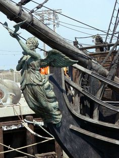 Ship Figurehead, Black Pearl Ship, Old Sailing Ships, Art Sculpture, Black Sails, Wooden Ship, Sail Away, Tall Ships, Pirates Of The Caribbean