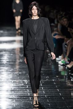 Theyskens' Theory Spring 2013 Ready-to-Wear Collection