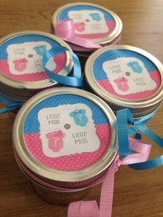 Gender reveal enjoy these yummy cakes in a jar for your reveal party #genderreveal #cakeinajar