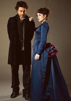 映画『シャーロック・ホームズ』のシャーロック・ホームズとアイリーン・アドラー