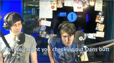 PHAN IS REAL!!!>>PHAN ISNT REAL THIS IS FAKE!!>>>>SHUT HE FUCK UP DUDE PHAN IS REAL