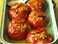 Gefüllte Tomaten aus dem Ofen Stuffed tomatoes from the oven Grilling Recipes, Veggie Recipes, Vegetarian Recipes, Healthy Recipes, Austrian Recipes, Ramadan Recipes, Food Blogs, How To Cook Pasta, Food Inspiration