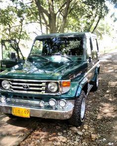 El campero Toyota Land Cruiser FJ 73 color verde selva metalizado con placas LUA 649 de Tulua  fue robado ayer en el barrio corona uno de Santander de Quilichao. Se ofrece magnífica recompensa a quien pueda dar información al teléfono 3508888821.