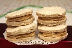 Orechové laskonky - Laskonky sú výborné, jemné, orechové sú super. Sú vhodné na slávnostné príležitosti.