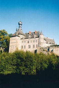 CASTLES IN BELGIUM | Chimay, un château princier voué aux arts