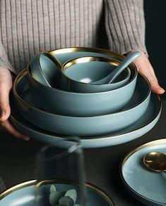 Luxury Gold dinnerware plate 2 or 4 or 6 person set Golden Ceramic Dinnerware Set Blue Golden Cer Farmhouse Dinnerware, Modern Dinnerware, Blue Dinnerware, Ceramic Tableware, Ceramic Pottery, Kitchenware, Vintage Cutlery, Cutlery Set, Flatware