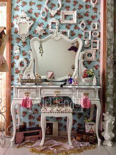 Ateliando - Customização de móveis antigos  Penteadeira do nosso acervo, restaurada e customizada especialmentre para nossa cliente.  Consulte-nos  ateliando@ateliando.com.br