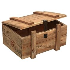 Pin on bricolages Wooden Tool Boxes, Pallet Boxes, Wood Storage Box, Wood Boxes, Wooden Pallet Projects, Small Wood Projects, Wood Crates, Wooden Pallets, Woodworking Box