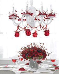 red + white Christmas chandelier - tiny wreath on each light Christmas Table Settings, Christmas Tablescapes, Holiday Tablescape, Holiday Centerpieces, Xmas Decorations, Centerpiece Ideas, Blue Centerpieces, Noel Christmas, Christmas Wreaths