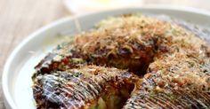 山芋を加えるのでふっくらふわとろ♡ こんがり焼きつけた薄切り豚バラ肉はカリッカリ♪ 食感がたまらないお好み焼きです!