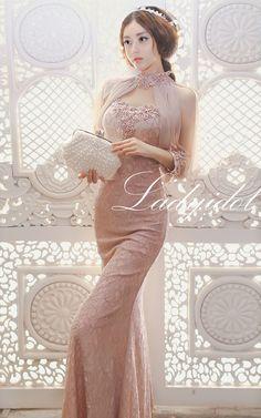 แม็กซี่เดรสสีชมพูนู้ดผ้าลูกไม้ใส่ออกงานสวยหรู เข้าูปสวยแต่งมุกสีชมพู by LadyIdol
