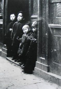 Chinese children in Little Bourke Street, Chinatown Melbourne. #twistedhistory #melbournemurdertours