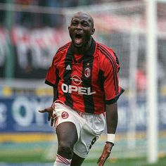 Happy birthday Lion King! #Weah Buon compleanno Re Leone! #weareacmilan