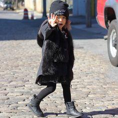 Nooooooo photos on Mondays!!! Amazing coat from @chalknyc