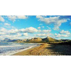 Alguien cree que a la playa de #sonserrademarina le hace falta algún cambio? Sinceramente nosotros la vemos estupenda. Gracias por la foto Marga Muleta! ;) by sa_fita_backpackers