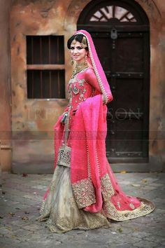 Trendy Pakistani Bridal Sharara Collection for Traditional Wedding – Designers Outfits Collection Pakistani Wedding Outfits, Pakistani Wedding Dresses, Bridal Outfits, Indian Dresses, Indian Outfits, Indian Clothes, Sharara Designs, Desi Bride, Desi Wedding