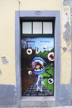 Funchal old town: these doors are pure art. More pics: http://walleni.us/olisiko-tama-mahdollista-suomessa/