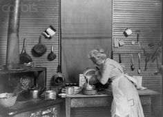 A 1910 kitchen.  I wonder what the kitchen looked like in my old house when it was new...