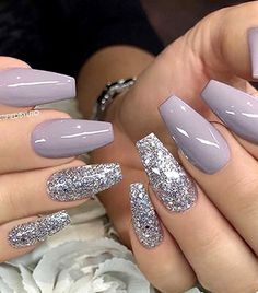 There are three kinds of fake nails which all come from the family of plastics. Acrylic nails are a liquid and powder mix. They are mixed in front of you and then they are brushed onto your nails and shaped. These nails are air dried. Prom Nails, Long Nails, Short Nails, Wedding Nails, Wedding Art, Coffin Nails Short, Nails 2018, Nails Acrylic Coffin Glitter, Bridal Nails