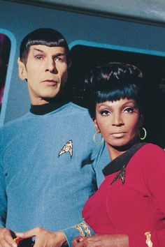 Uhura (Nichelle Nichols) and Spock (Leonard Nimoy) in the Star Trek episode The Galileo Seven. Star Trek Spock, Star Trek Voyager, Star Wars, Nichelle Nichols, Star Trek Actors, Star Trek Characters, Star Trek Original Series, Star Trek Series, Star Trek Quotes