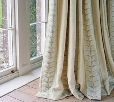 Colefax and Fowler online shop Woodcote Stripe F3603, Striped, Colefax and Fowler, Linen, Nature, Embroidered, Curtain, Fabrics - worldwide shipping - Ethnic Chic - Home Couture