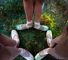Colourful Turnout Kayla-Maree Tarantolo, Ashi Ross, and Dani Ross Holly Medway Photography