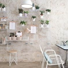 Pickled restaurant in Paris love the vintage furniture and wall holders… Spa Interior, Cafe Interior Design, Cafe Design, Interior Decorating, Cafe Restaurant, Restaurant Design, Earthy Home Decor, Cafe Concept, Small Cafe