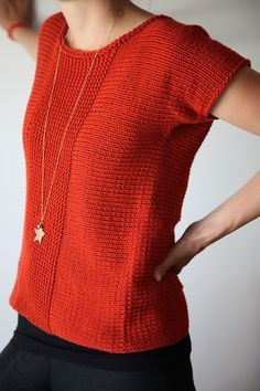 """simple simple sweater, maybe I could do this in tunisian crochet? """"Francis pattern on Ravelry: Knit sideways in one piece. Back crosses over with opening. Summer Knitting, How To Purl Knit, Knit Or Crochet, Tunisian Crochet, Crochet Clothes, Pulls, Knitting Projects, Knitting Patterns, Crochet Patterns"""