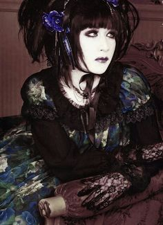 Mana sama: This man is perfection. Guitarist and leader of Moi-Dix-Moi and Malice Mizer. Designer of Moi-meme-Moitie.