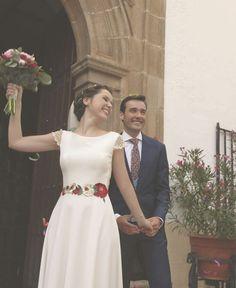"""450 Me gusta, 6 comentarios - Lucía de Miguel (@luciademigueldesign) en Instagram: """"Buenos días Sábado! Los sábados tienen estos momentos mágicos !! Rocío ideal con vestido de crepe…"""""""